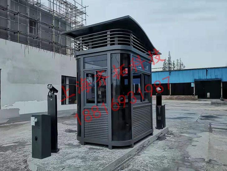 曹安公路定制双层顶钢结构岗亭安装到位设计布置赏析